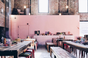 A Secret Pink Cafe in East Williamsburg Offers a Photogenic and Organic Brunch